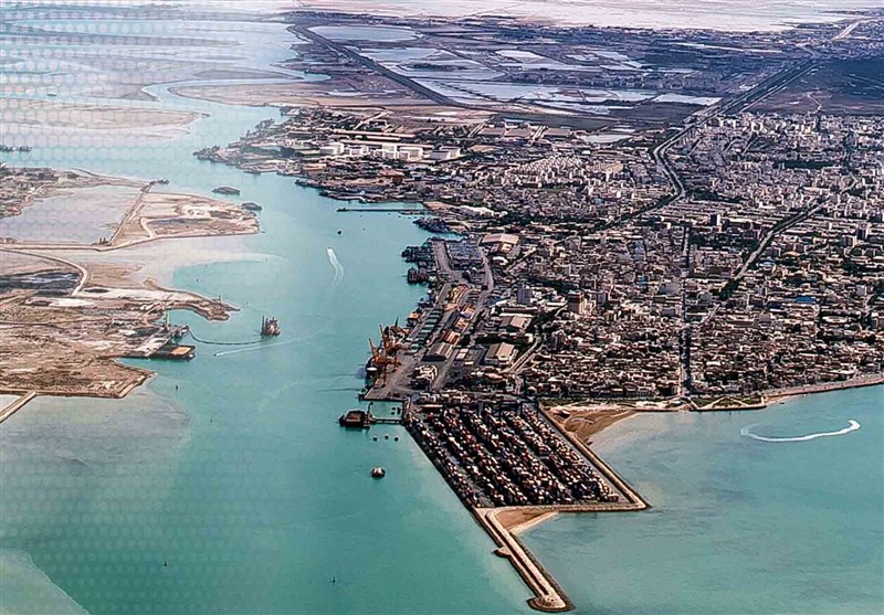 عمق اسکلههای بندر بوشهر جوابگوی کشتیهای تجاری بالای 10 هزار تن نیست