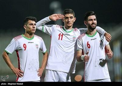 یاسین سلمانی،آریا برزگر و علیرضا منظمی بازیکنان تیم فوتبال جوانان ایران