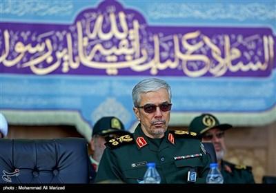 سرلشکر باقری رئیس ستاد کل نیروهای مسلح در صبحگاه مشترک نیروهای مسلح در مسجد مقدس جمکران