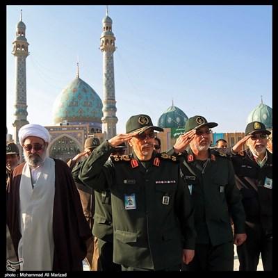سرلشکر باقری رئیس ستاد کل نیروهای مسلح صبحگاه مشترک نیروهای مسلح در مسجد مقدس جمکران
