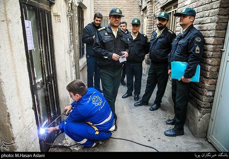تهران| پلمب 37 خانه مجردی در اطراف میدان امام حسین (ع)/ سکونت معتادان و سارقان در منازل مذکور