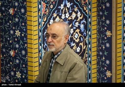 علیاکبر صالحی رئیس سازمان انرژی اتمی در نماز جمعه تهران