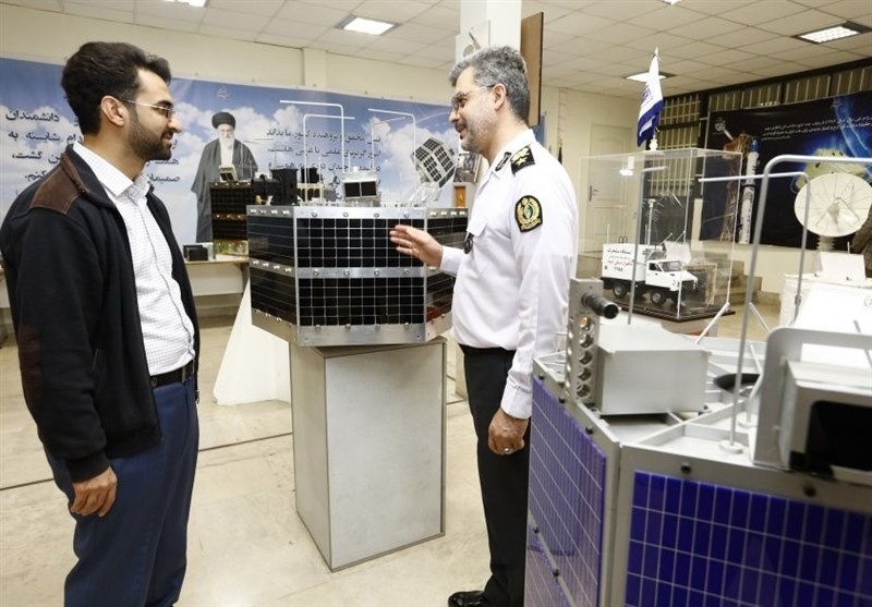 آذری جهرمی در بازدید از صاایران: صنعت دفاعی در دوران تحریم به شکوفایی و بالندگی رسیده است