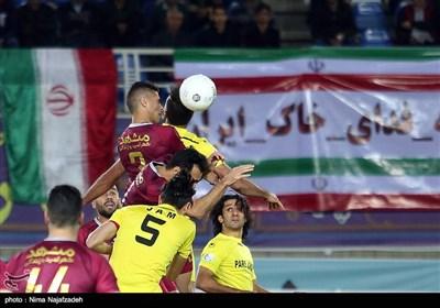دیدار تیم های فوتبال شهر خودرو مشهد و پارس جنوبی جم