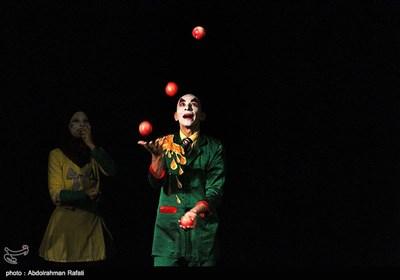 نمایش سیرک ماندراگورا از آرژانتین به کارگردانی خوان کروز براکامونته