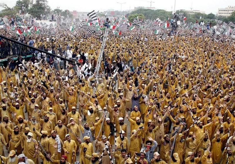 گزارش| چه کسانی از اعتراضات سیاسی پاکستان سود میبرند؟