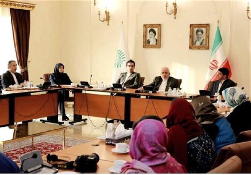 Indian Journalists Meet with Iran's FM in Tehran