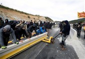 Catalan Independence Protesters Block Major Spain-France Road Link