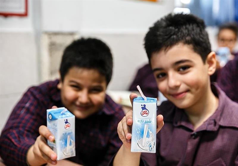 طرح توزیع شیر رایگان مدارس از فردا اجرا می شود