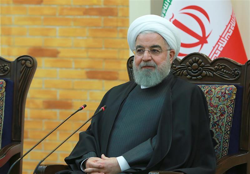 روحانی: گرانی بنزین به نفع مردم است/ نگذاشتیم بنزین 5هزار تومان شود/واریز کمک حمایتی اوایل آذر