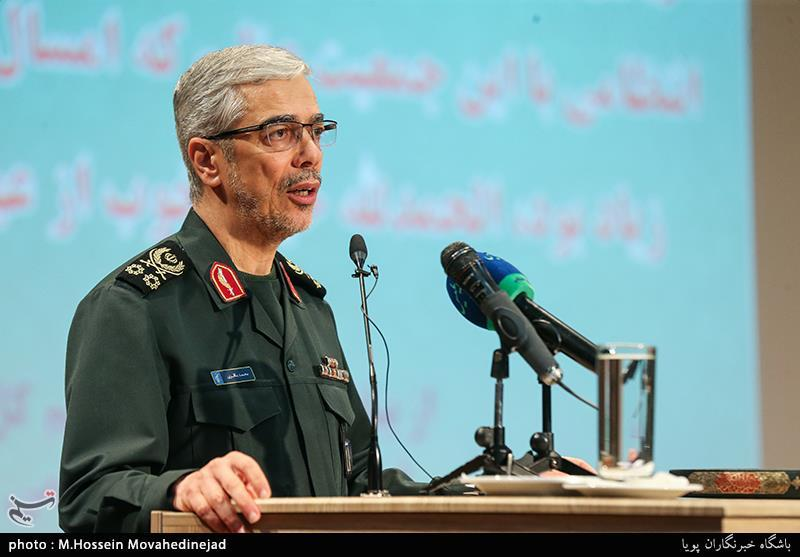 Top General Highlights Iran's Role in Ensuring Security in Persian Gulf