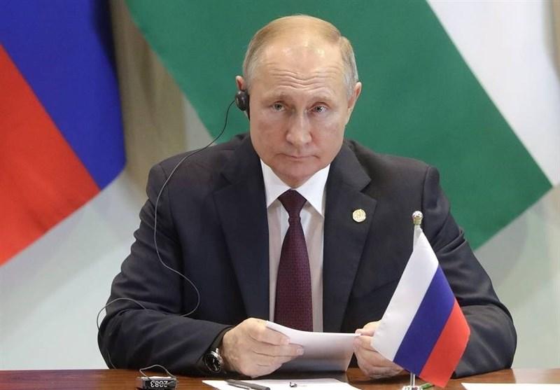 پوتین: روسیه به وظایف خود در سوریه عمل کرده/حضور آمریکا غیرقانونی است