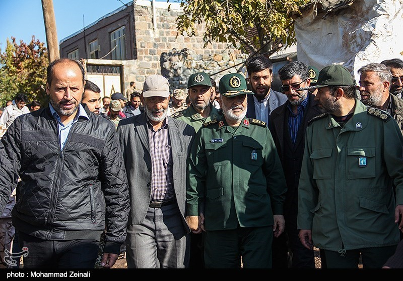 Commander Highlights IRGC Efforts to Help Quake-Hit Iranians
