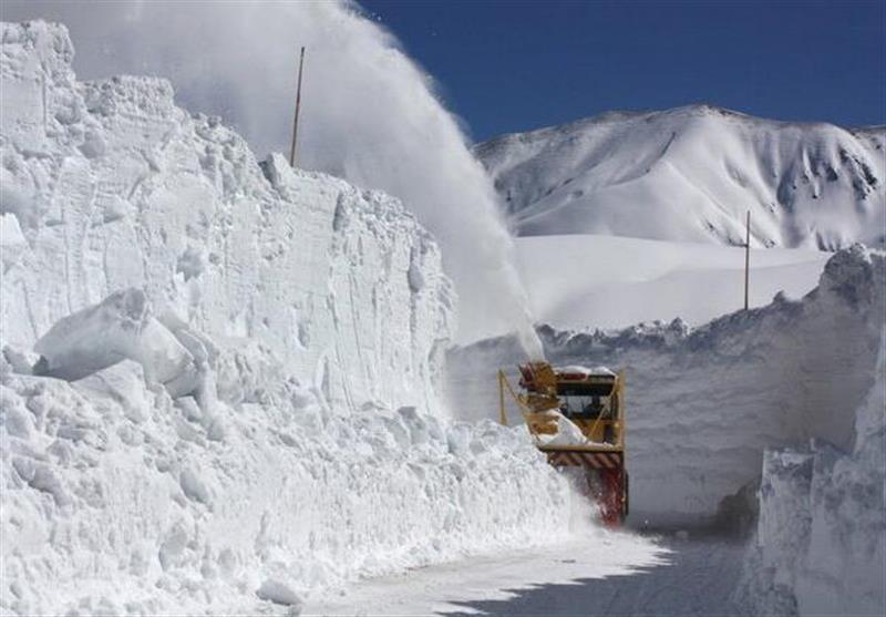 در دنیا هنگام بارش برف چه میکنند؟ + عکس