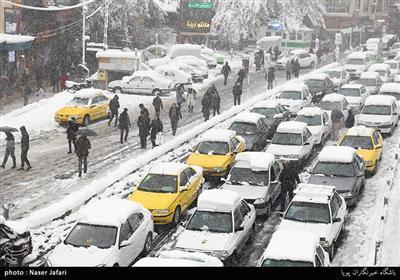تساقط الثلوج الخریفیة فی طهران