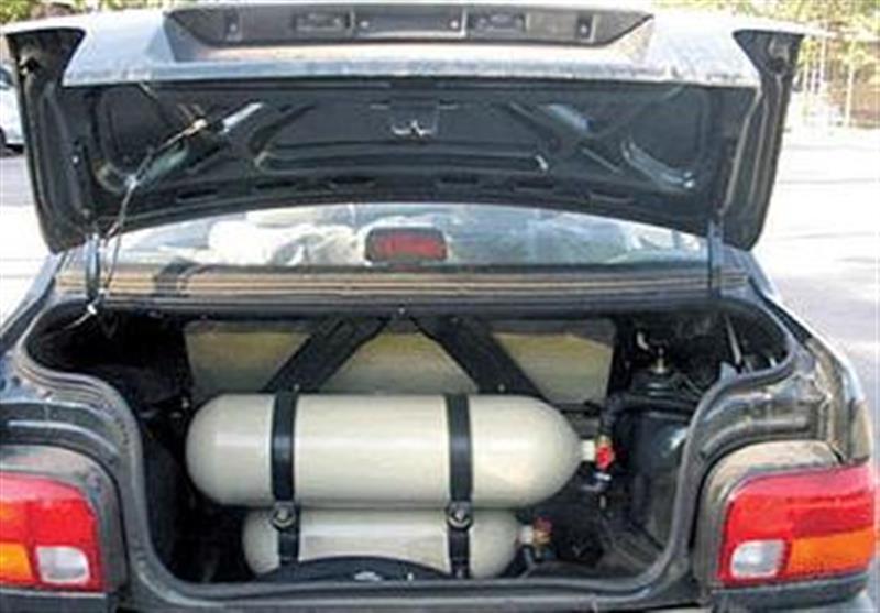 گزارش  بازی مرگبار برخی رانندگان با نصب سیلندر گاز مایع در خودرو/ ثبتنام متقاضیان گازسوز کردن خودروها ادامه دارد