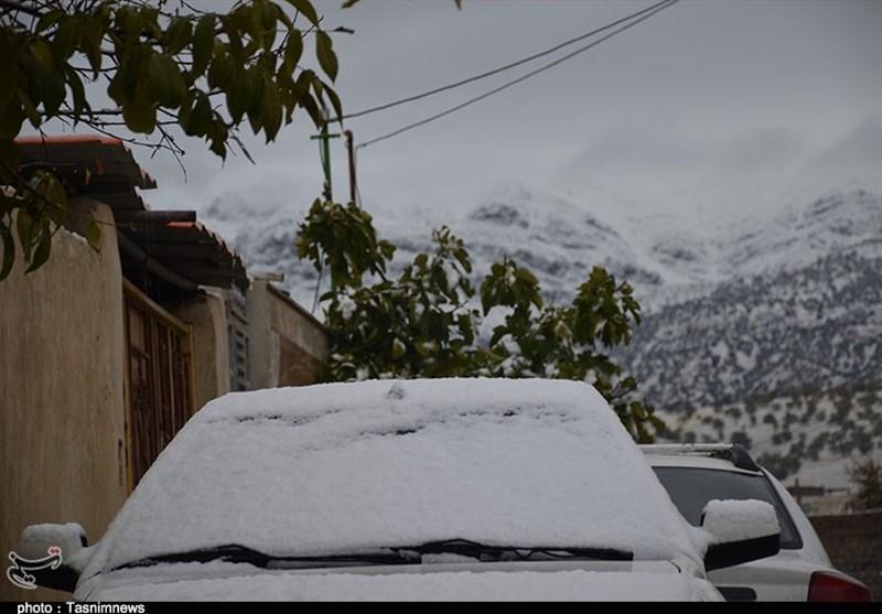 بارش نخستین برف پاییزی در یاسوج؛ مدارس ابتدایی بویراحمد تعطیل شد + تصاویر