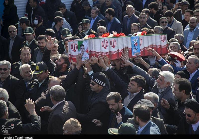 تشییع باشکوه پیکر شهید جواهری با حضور مردم شهیدپرور کرمانشاه + تصاویر