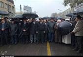 مردم همدان در اعتراض به اغتشاشات اخیر راهپیمایی میکنند
