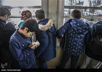 بازدید دانش آموزان از کارخانه شیر