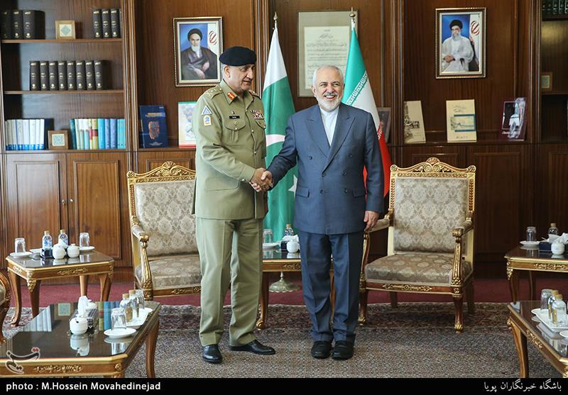 Iranian, Pakistani Officials Discuss Situation in Afghanistan