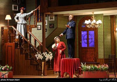 نمایش مری پاپینز در تالار وحدت