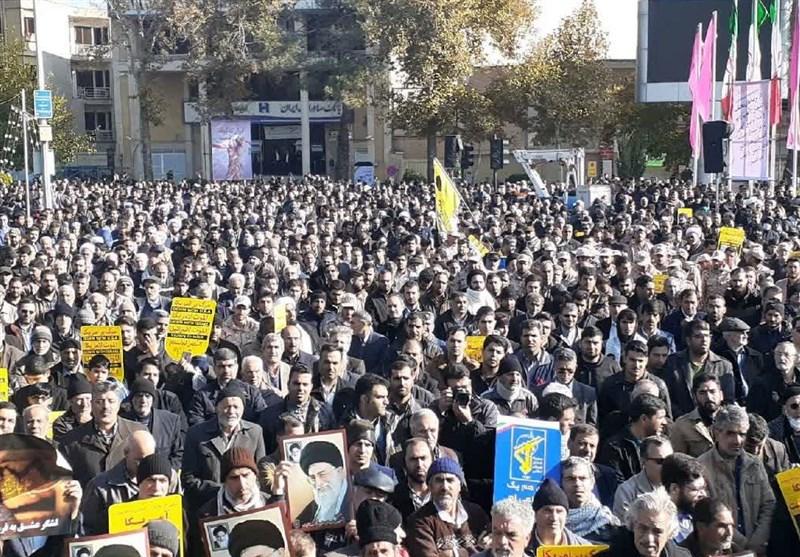 حضور حماسی مردم اصفهان در راهپیمایی علیه اغتشاشگران / ندای «مرگ بر فتنهگر» از «شهر شهیدان» برخاست + فیلم
