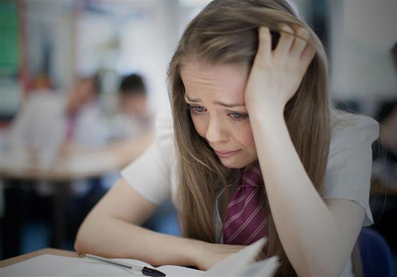 """97 درصد از زنان 18 تا 24 ساله انگلیسی مورد """"آزار و اذیت جنسی"""" قرار گرفتهاند!"""