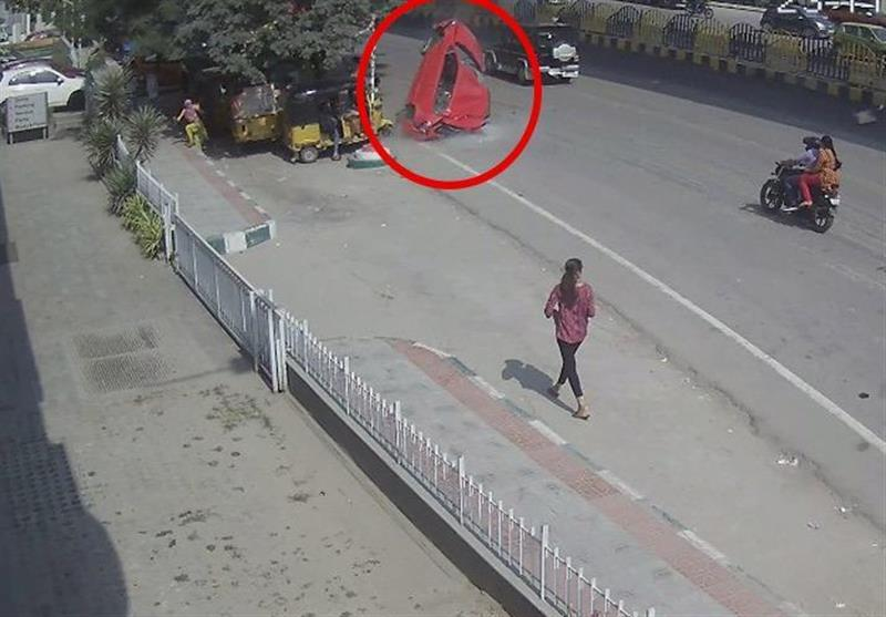 Car Flies Off Overpass, Kills Pedestrian in Freak Accident in India (+Video)