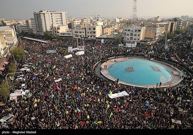 گزارش کامل| تجمع بزرگ مردم تهران در حمایت از امنیت و اقتدار ایران/ سرلشکر سلامی: ملت ایران در حوادث اخیر دقیق عمل کرد