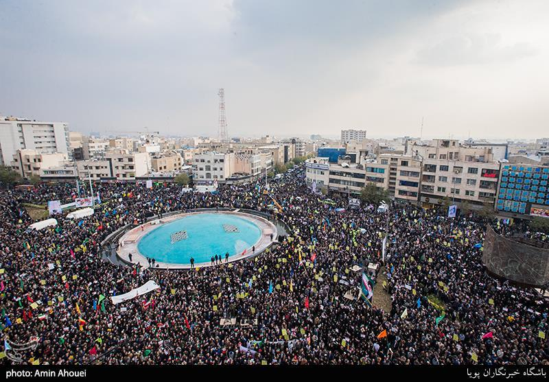 Mass Rally Held in Tehran in Support of Islamic Republic, Security (+Photos)