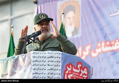 سرلشکر سلامی: قدرت موشکی ما ضامن عقبنشینی دشمنان است/ برای دفاع هیچ کمبودی نداریم