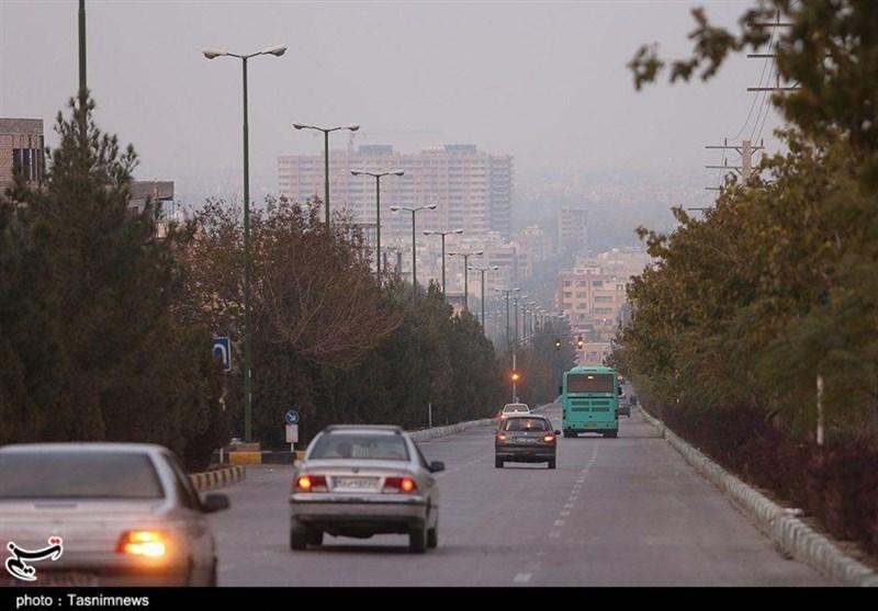 تئوری مضحک رسانههای معاند در انتشار یک شایعه؛ گرد و غبار آسمان اصفهان دستمایه دروغی جدید شد