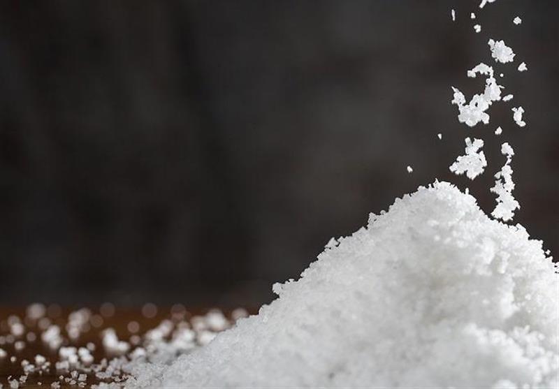 """یافتههای جدید علمی """"مصرف نمک طبیعی"""" را برای درمان فشار خون تجویز میکند!"""