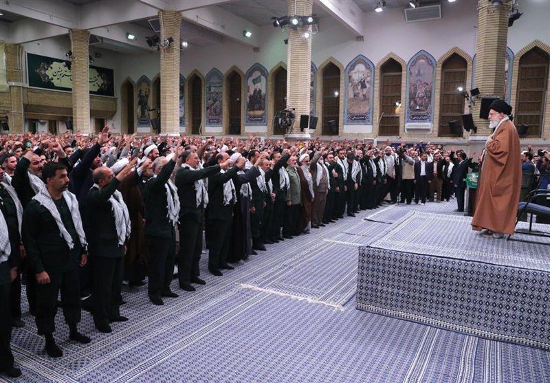 بسیجیان با امام خامنهای دیدار کردند