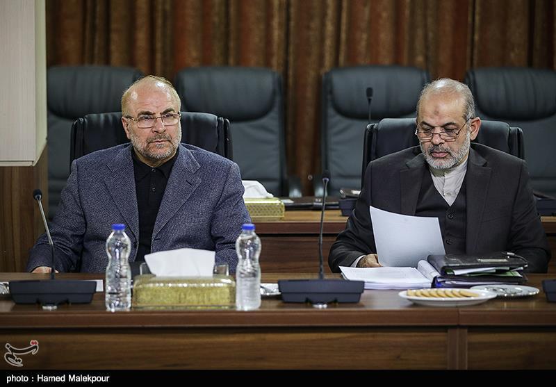 احمد وحیدی و محمدباقر قالیباف در جلسه مجمع تشخیص مصلحت نظام