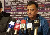 تبریز| طاهری: چون تیم ما طرفدار ندارد باید سرش را ببرند؟!/ نگران داوریها هستیم