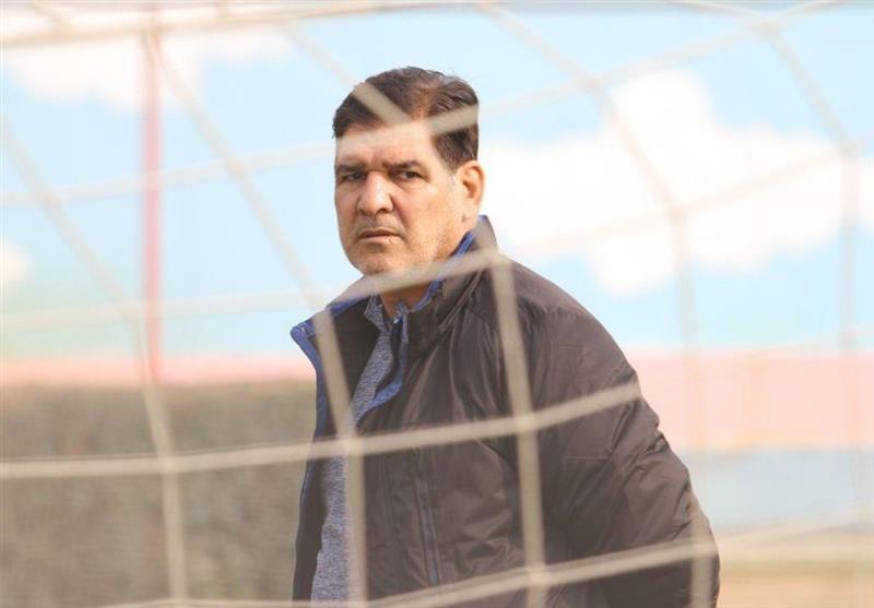 مهاجری: فشردگی مسابقات و چمن مصنوعی ورزشگاه شهید وطنی فشار زیادی روی بازیکنان ما ایجاد کرده است