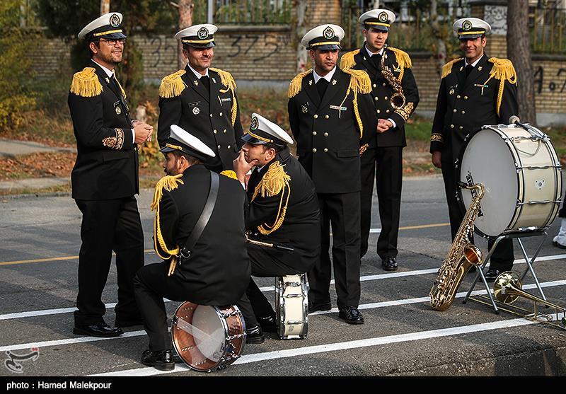 در حاشیه افتتاح نمایشگاه دستاوردهای جهاد خودکفایی نیروی دریایی ارتش