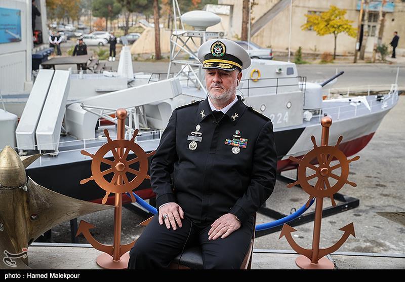 امیر دریادار حسین خانزادی فرمانده نیروی دریایی ارتش در مراسم افتتاح نمایشگاه دستاوردهای جهاد خودکفایی نداجا