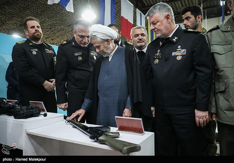 بازدید امیر دریادار حسین خانزادی فرمانده نیروی دریایی ارتش از نمایشگاه دستاوردهای جهاد خودکفایی نداجا