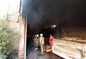 تهران| آتشسوزی گسترده در کارگاه 400 متری تولید تشک + تصاویر