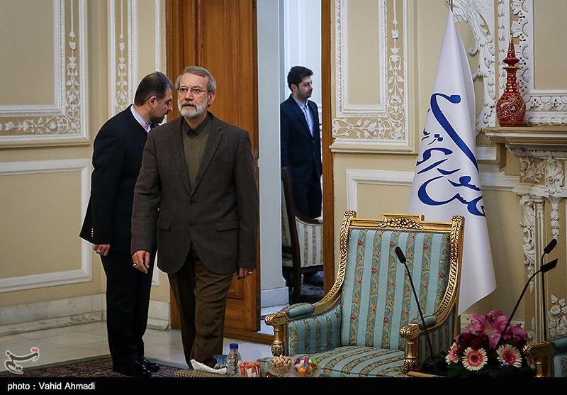 کارگزارانیها در نقش سمپات برای رئیس مجلس؛ دعوت رسمی مرعشی از لاریجانی برای کاندیداتوری در انتخابات