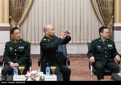 دیدار معاون روابط بین الملل ارتش چین با امیر دریادار خانزادی
