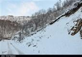 بارش سنگین برف و مسدودی راههای روستایی لرستان؛ تلاش برای بازگشایی ادامه دارد