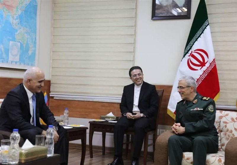Iran's Top General, Azeri First Deputy PM Discuss Closer Security Ties