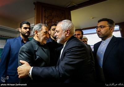 محمد جواد ظریف وزیر امور خارجه در مراسم ختم خواهر علی اکبر ولایتی