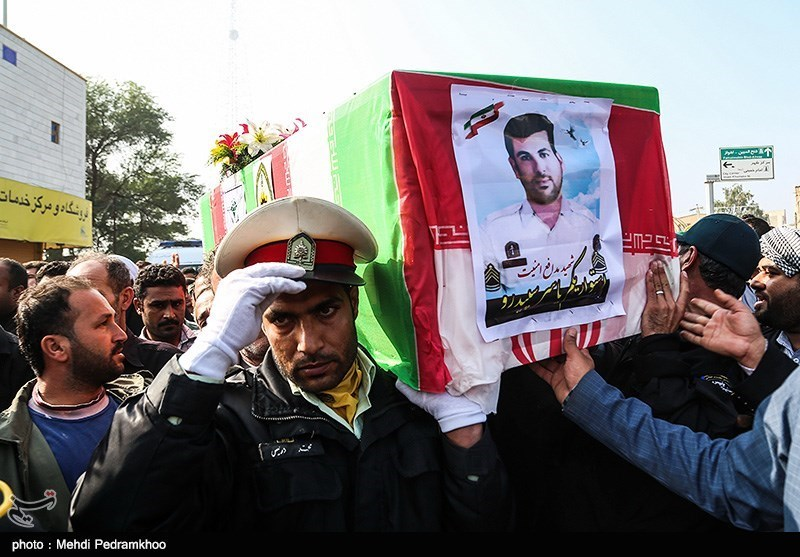 تشییع باشکوه پیکر شهید مدافع امنیت در خوزستان + تصاویر