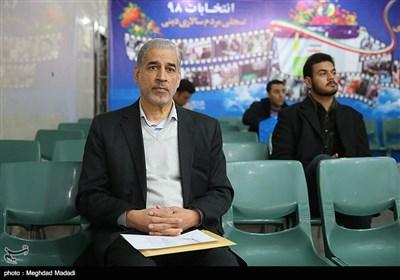 ثبت نام صادق خلیلیان در ششمین روز ثبتنام داوطلبان انتخابات مجلس یازدهم