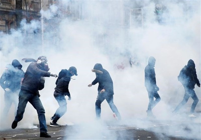 France Shut Down as Strike Enters Second Day (+Video)